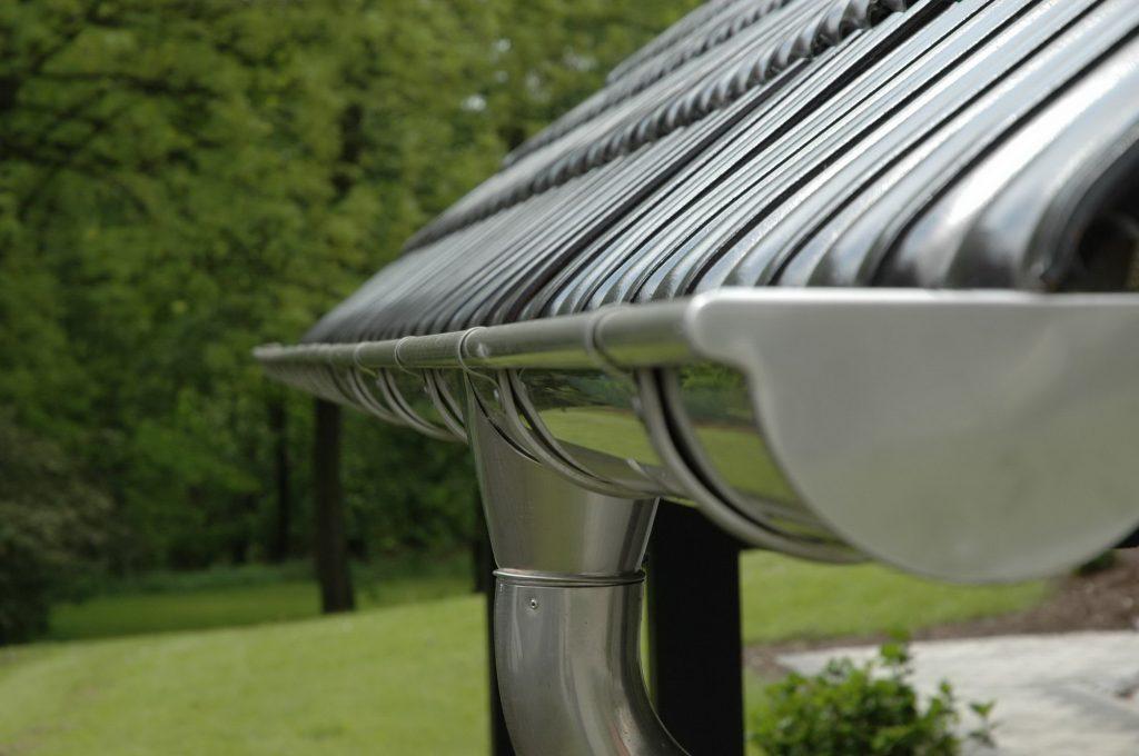 Обслуживание дренажа крыши